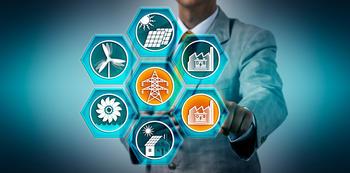 Administrator som mater strømmen til et batterilager for kraftverk i fornybar energi.